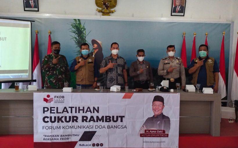 Pelatihan Cukur Rambut FKDB di Kecamatan Cicurug Diikuti Peserta dari Lima Desa