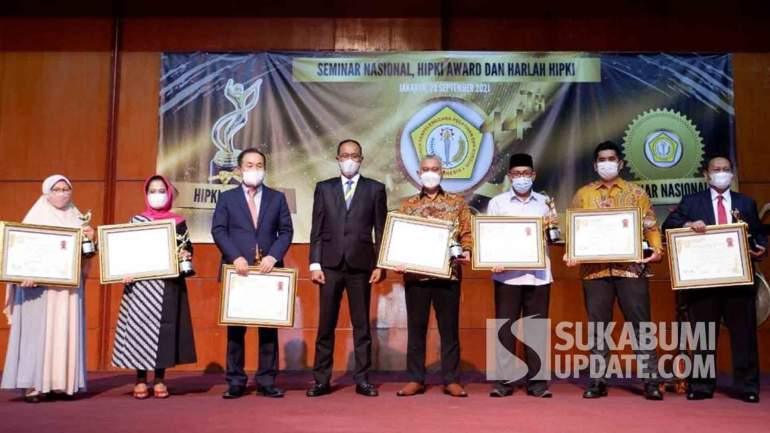 Berkiprah di Bidang Pertanian, Ketua FKDB Hikmat Taufik Raih HIPKI Award
